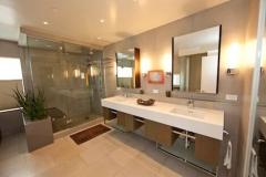 punchouse234-Bathroom